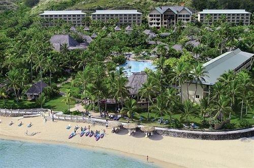 tree property Resort swimming pool watercraft Water park condominium marina shore Boat