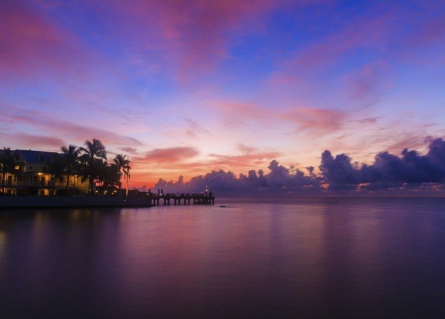 water sky River Boat afterglow sunrise horizon dawn Sunset dusk cloud evening morning red sky at morning atmosphere Sea cityscape skyline panorama distance