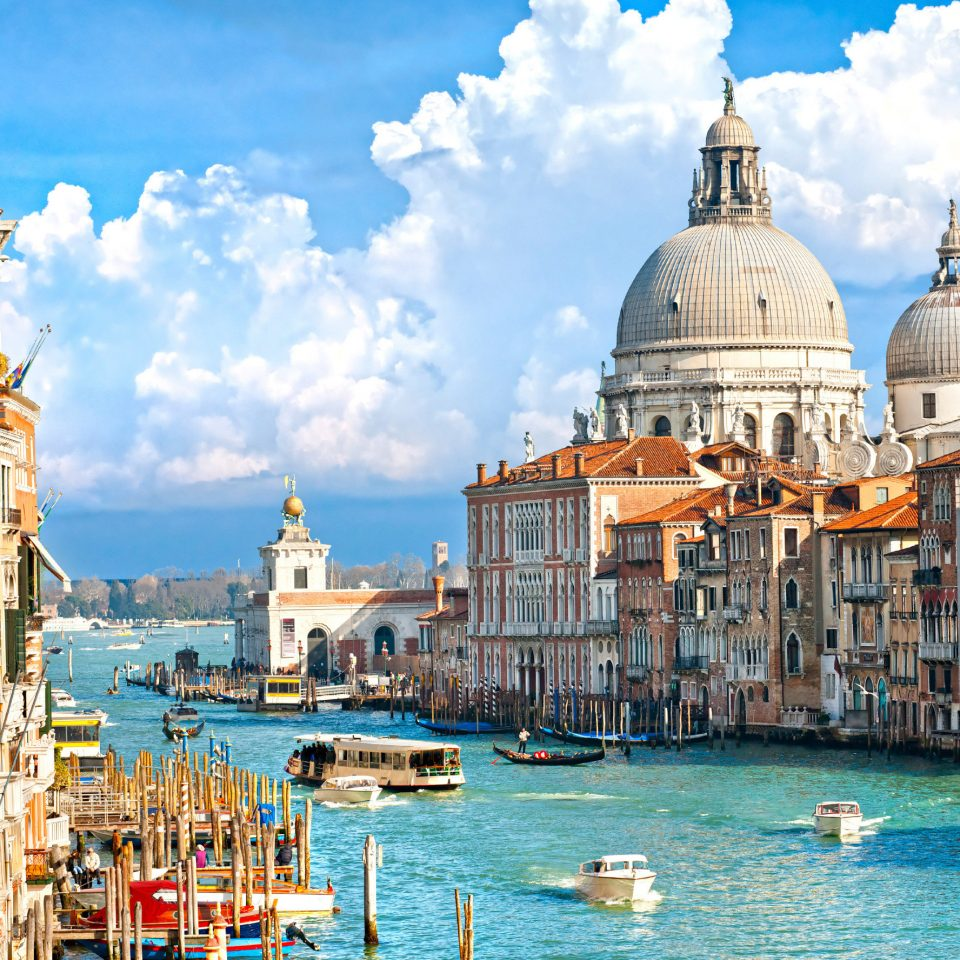 building sky Boat Town landmark cityscape waterway tours palace vehicle cathedral Sea travel