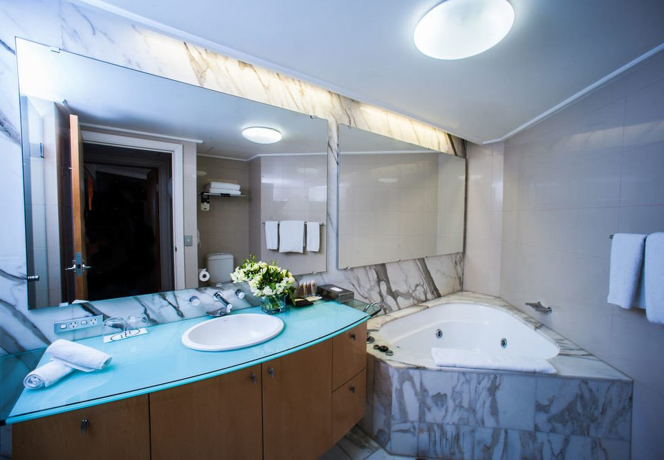 property swimming pool yacht vehicle Boat Suite passenger ship bathtub