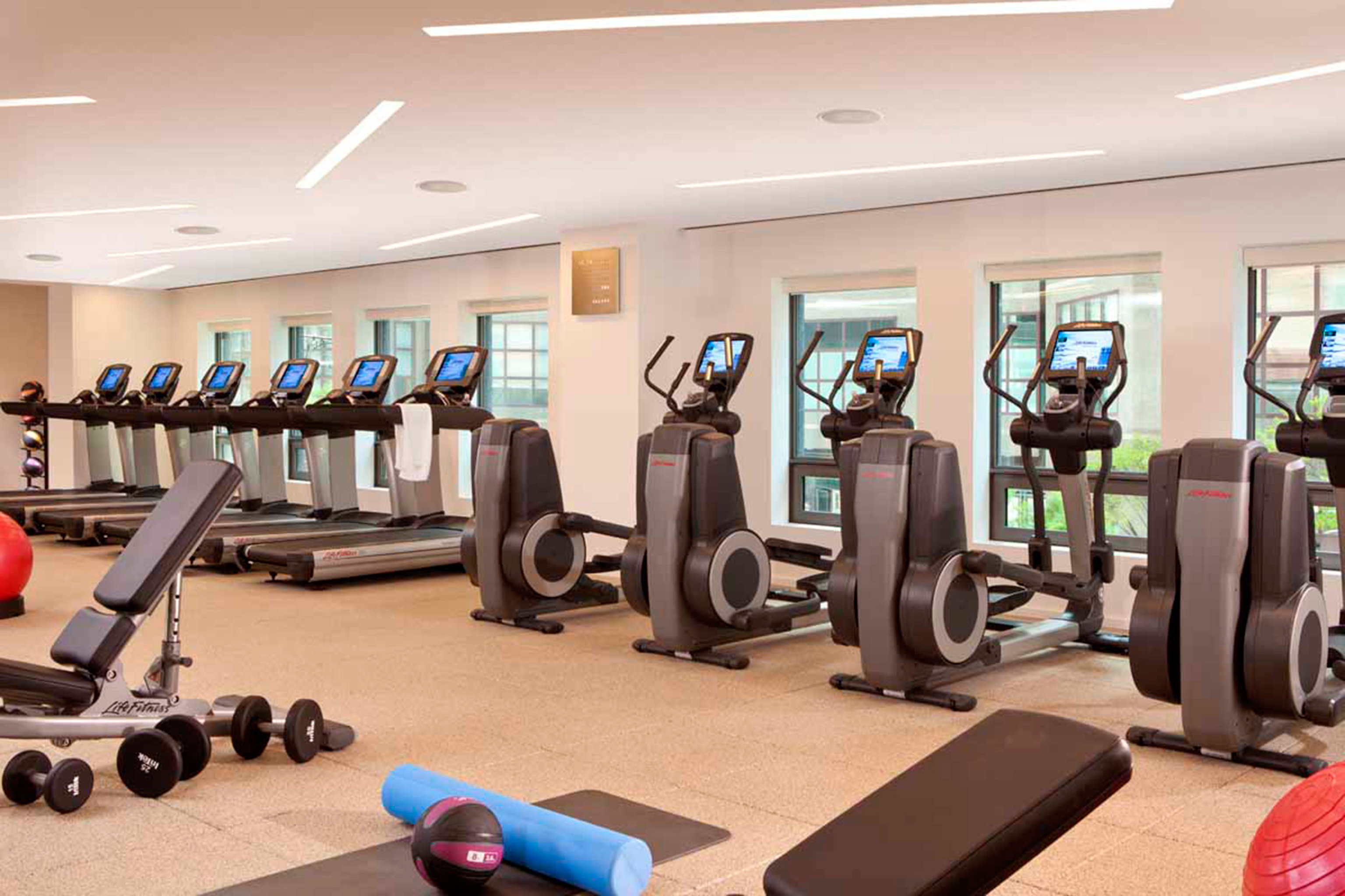 structure gym sport venue leisure bodypump physical fitness