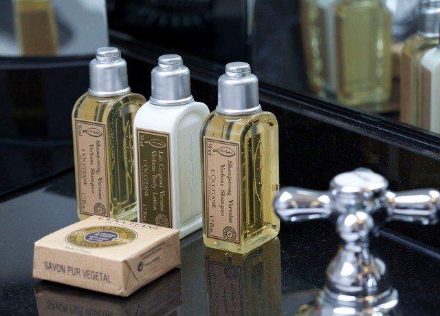perfume counter product glass bottle bottle cosmetics