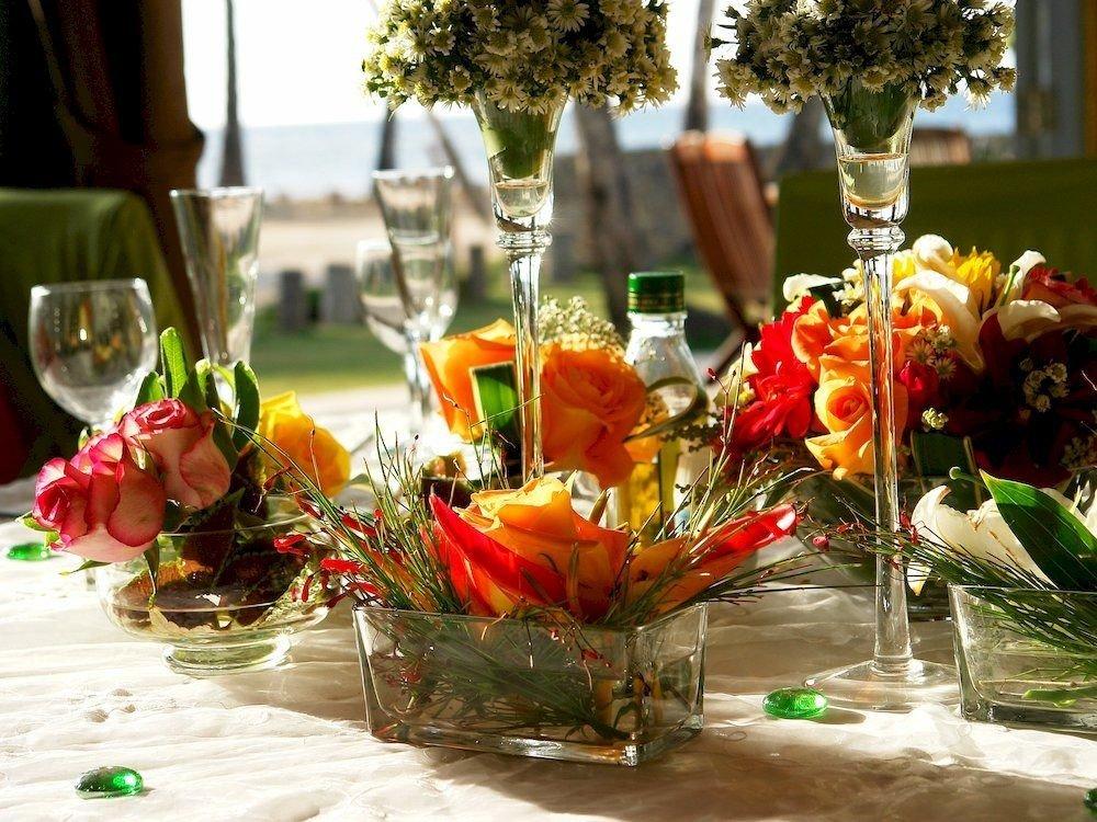 flower arranging glasses bouquet flower wine plant floristry centrepiece floral design flower bouquet retail set
