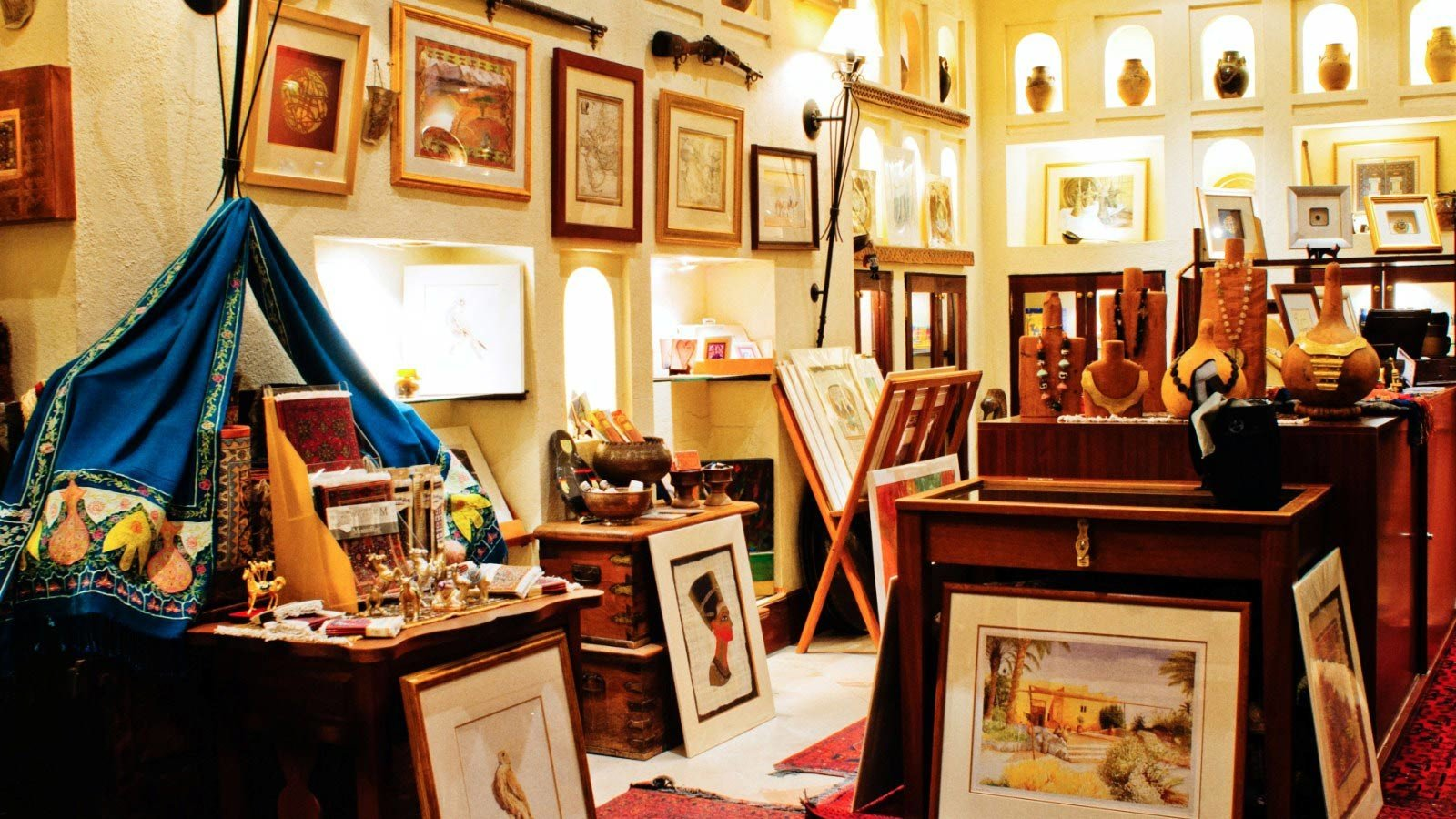 Boutique antiquarian shopping retail cluttered