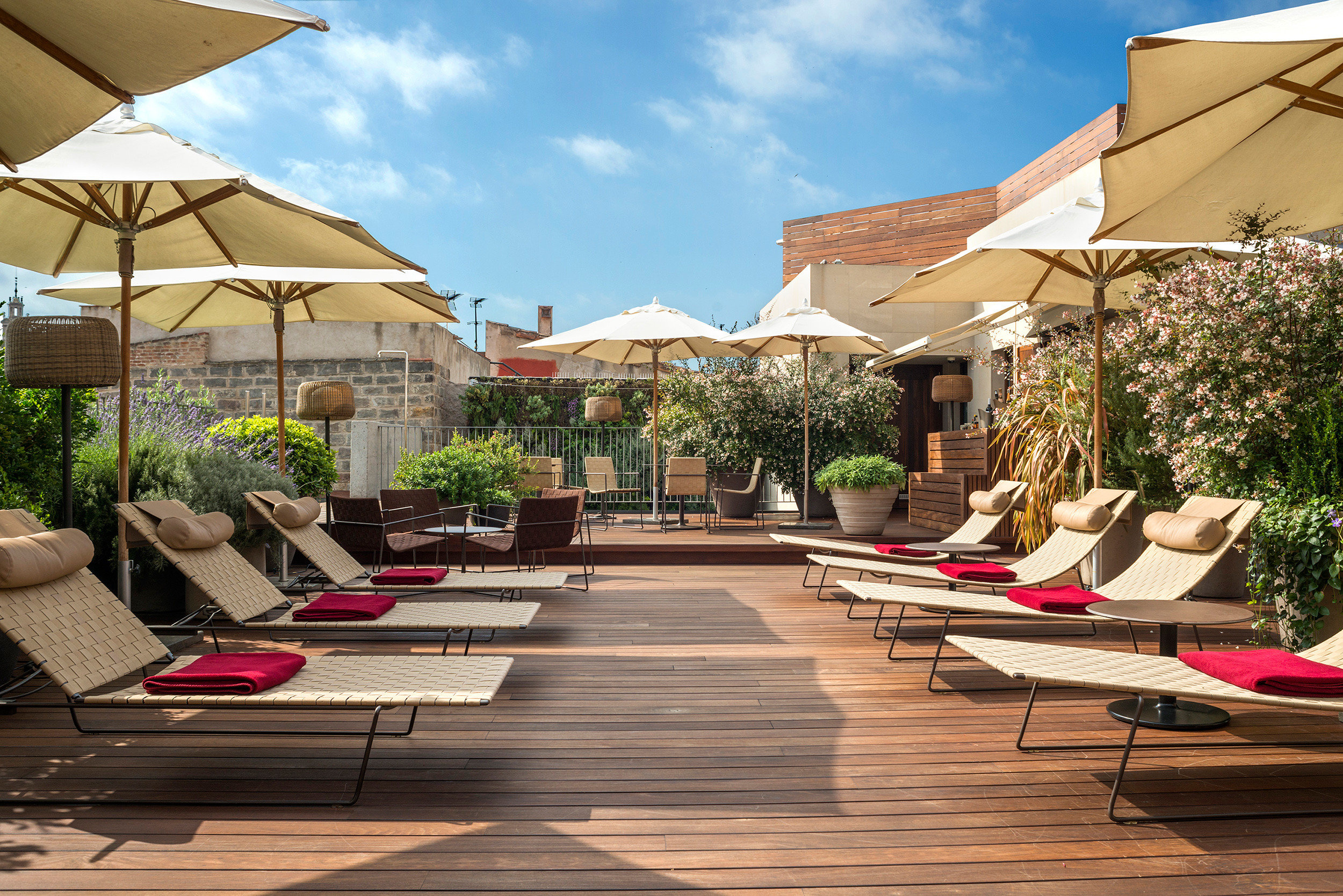 Boutique Boutique Hotels City Deck Hip Hotels Luxury Modern Rooftop sky building leisure Resort outdoor structure backyard home Courtyard swimming pool