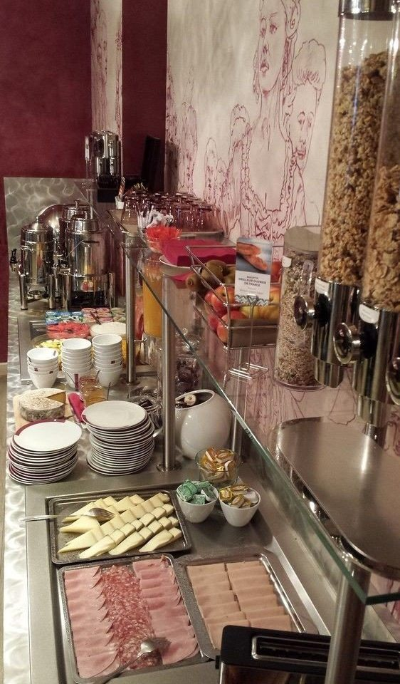 restaurant buffet brunch Boutique food cooking cluttered