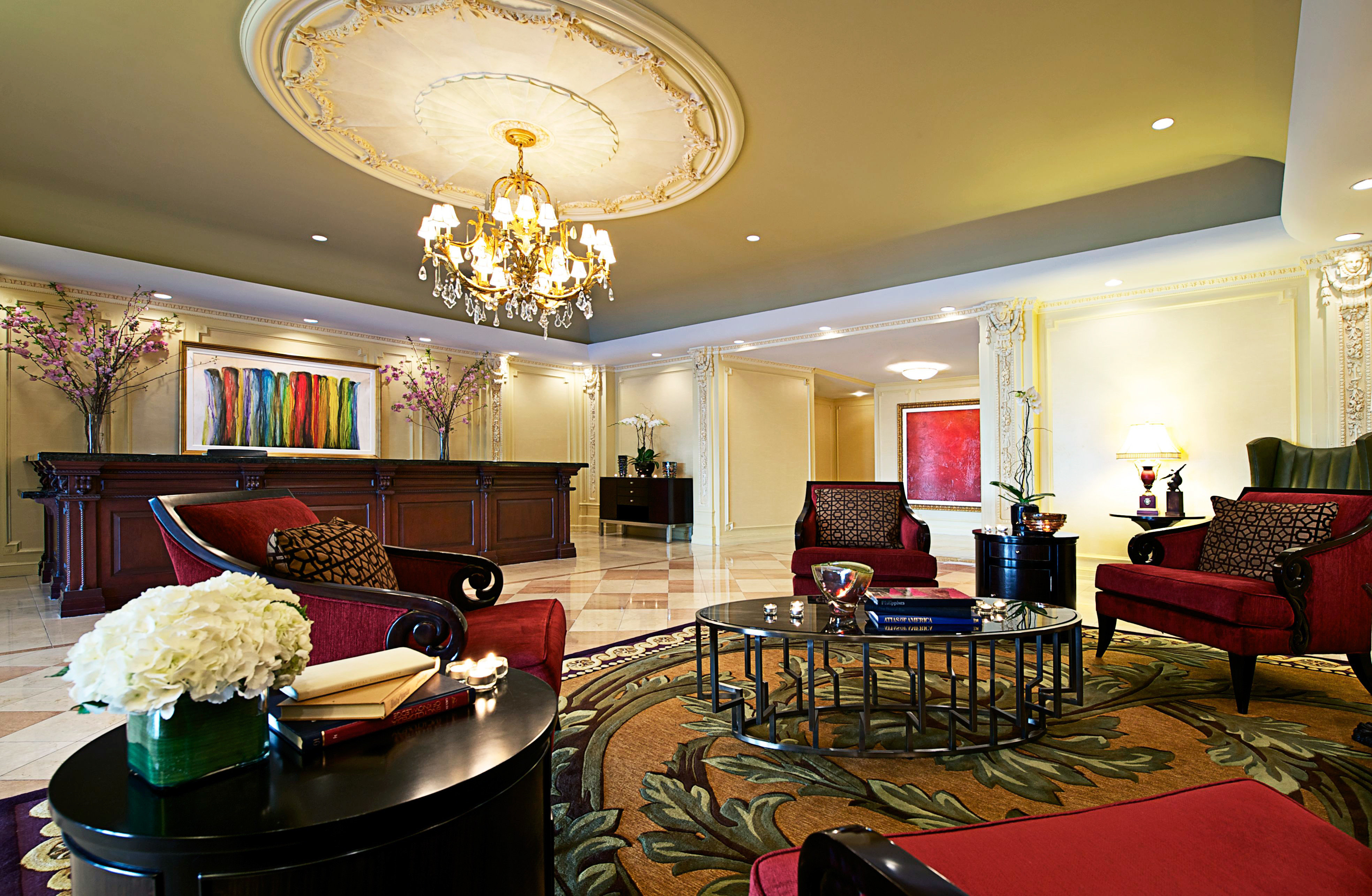 Boutique Budget City Classic Lobby Lounge property living room home Suite mansion recreation room dining table