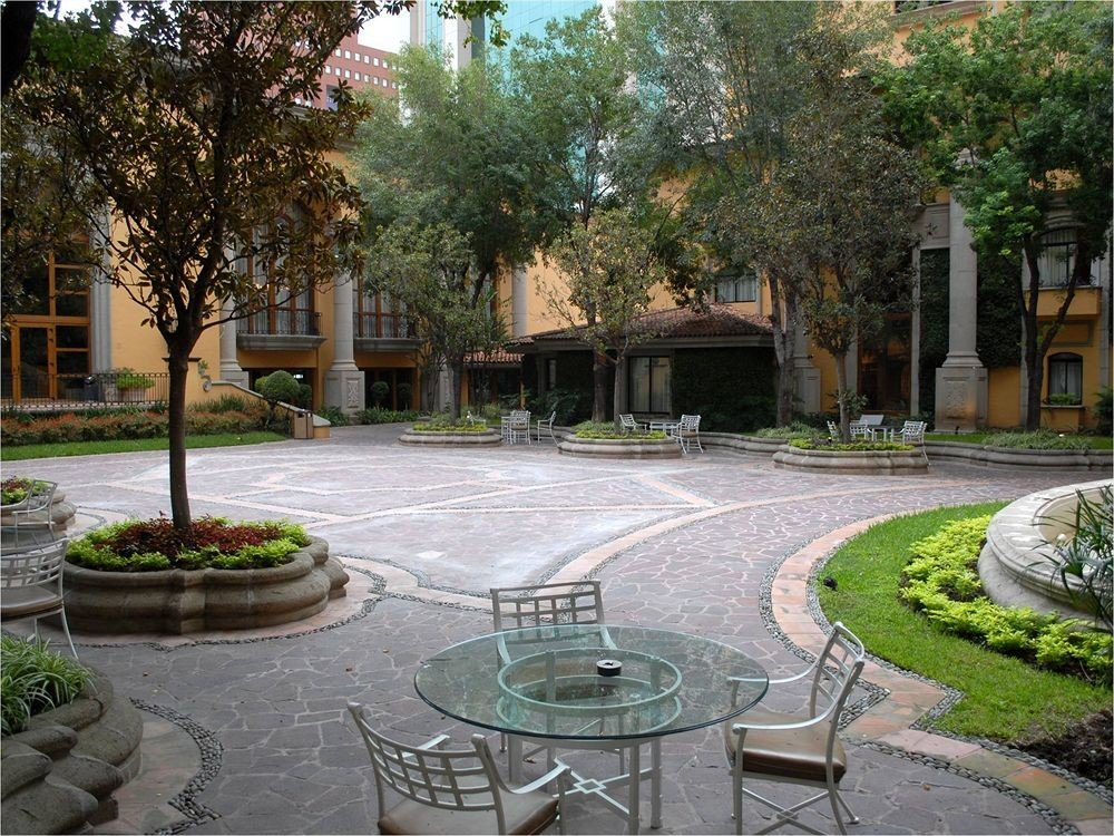 Boutique Budget Classic Courtyard tree property plaza public space neighbourhood City residential area town square yard Garden backyard home landscape architect lawn outdoor structure paving
