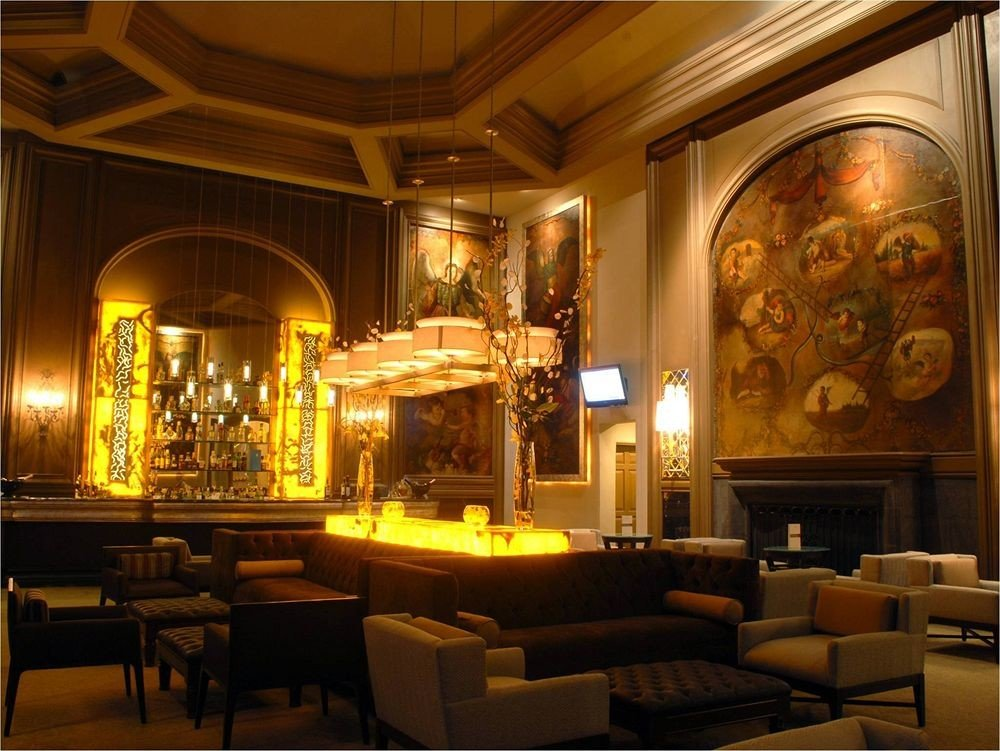Boutique Budget Classic Dining Drink Eat Lobby living room lighting palace mansion