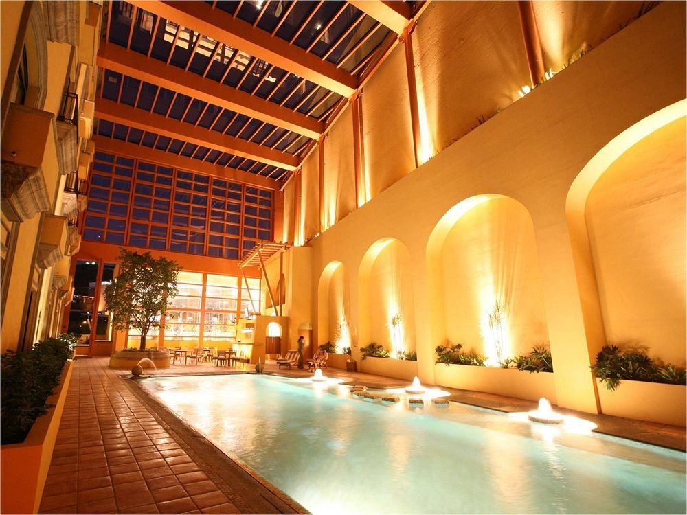 Boutique Budget Classic Pool Lobby building Resort swimming pool palace convention center
