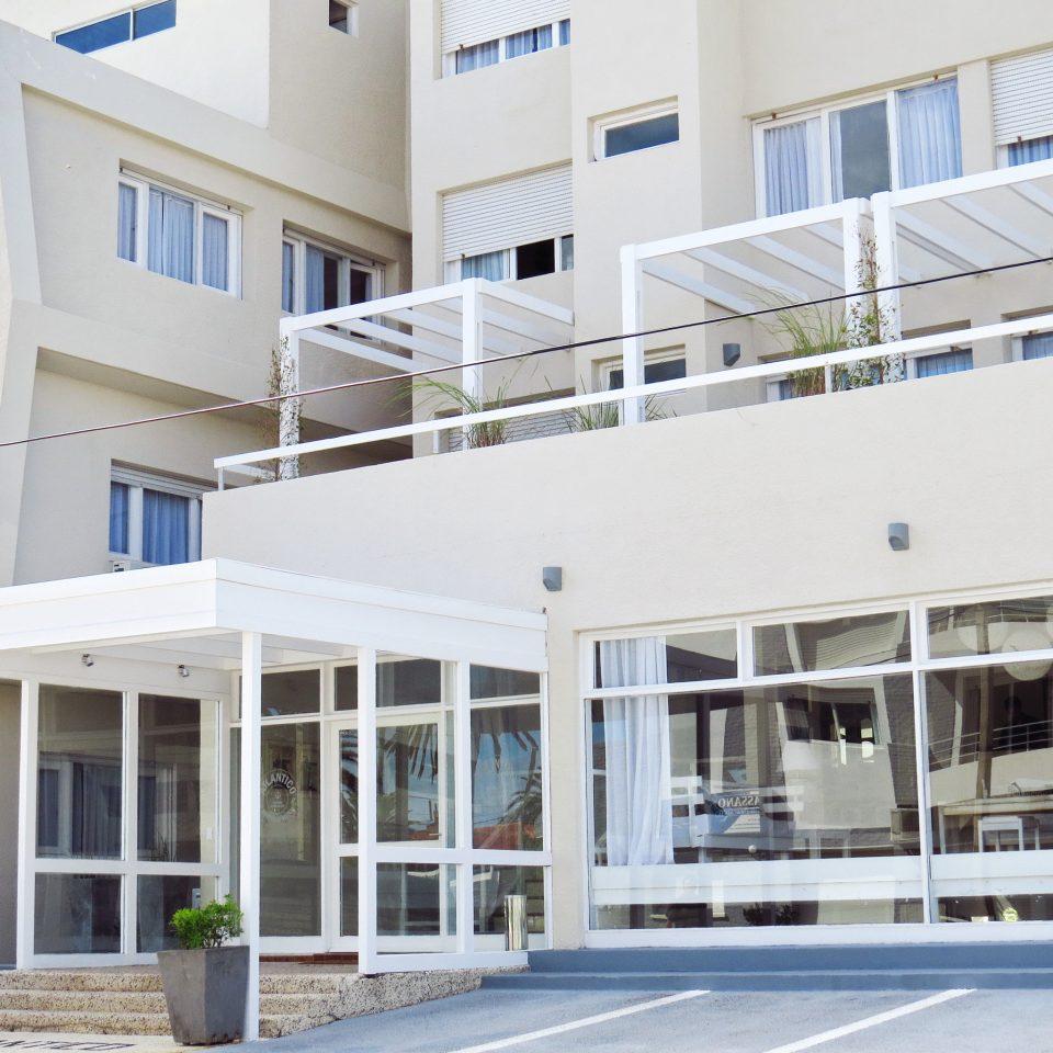 Boutique Budget Exterior Hip building property commercial building condominium headquarters plaza hospital