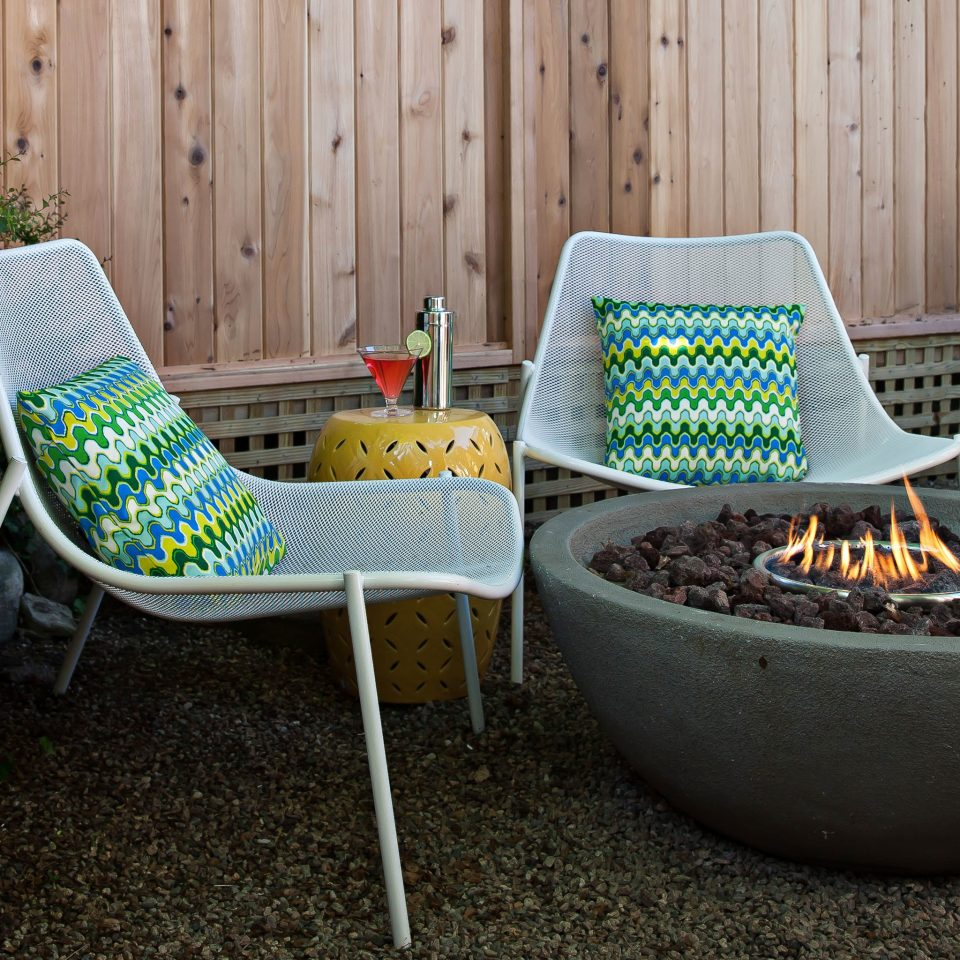 Boutique Budget Grounds Play Romance ground chair green backyard product living room seat trash set