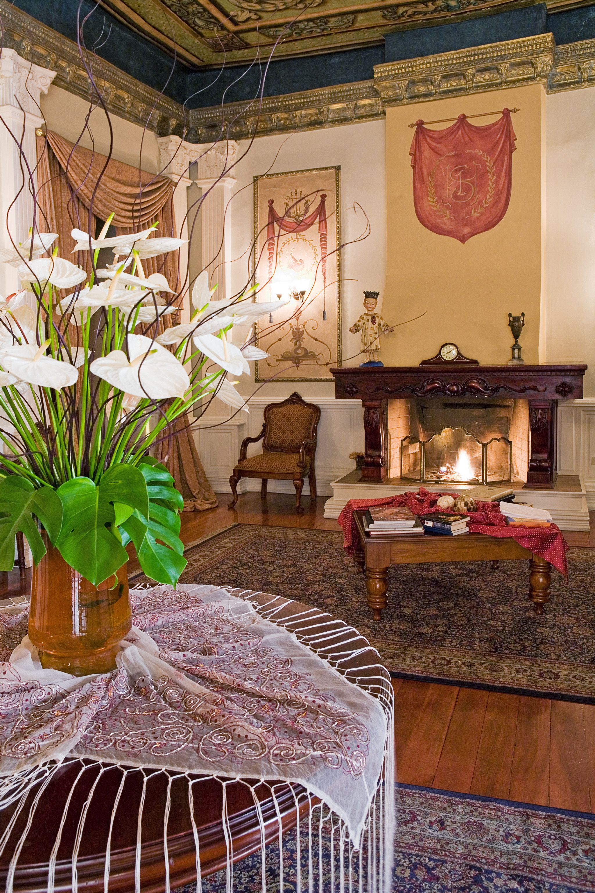Boutique Business City Fireplace Lounge Romantic home house living room mansion restaurant cottage