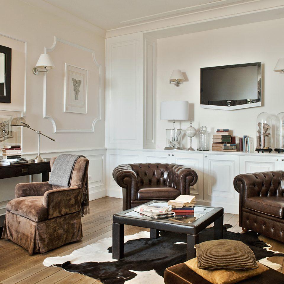 Boutique City Elegant Honeymoon Lounge Romance Romantic Villa living room property home hardwood cottage Suite farmhouse leather