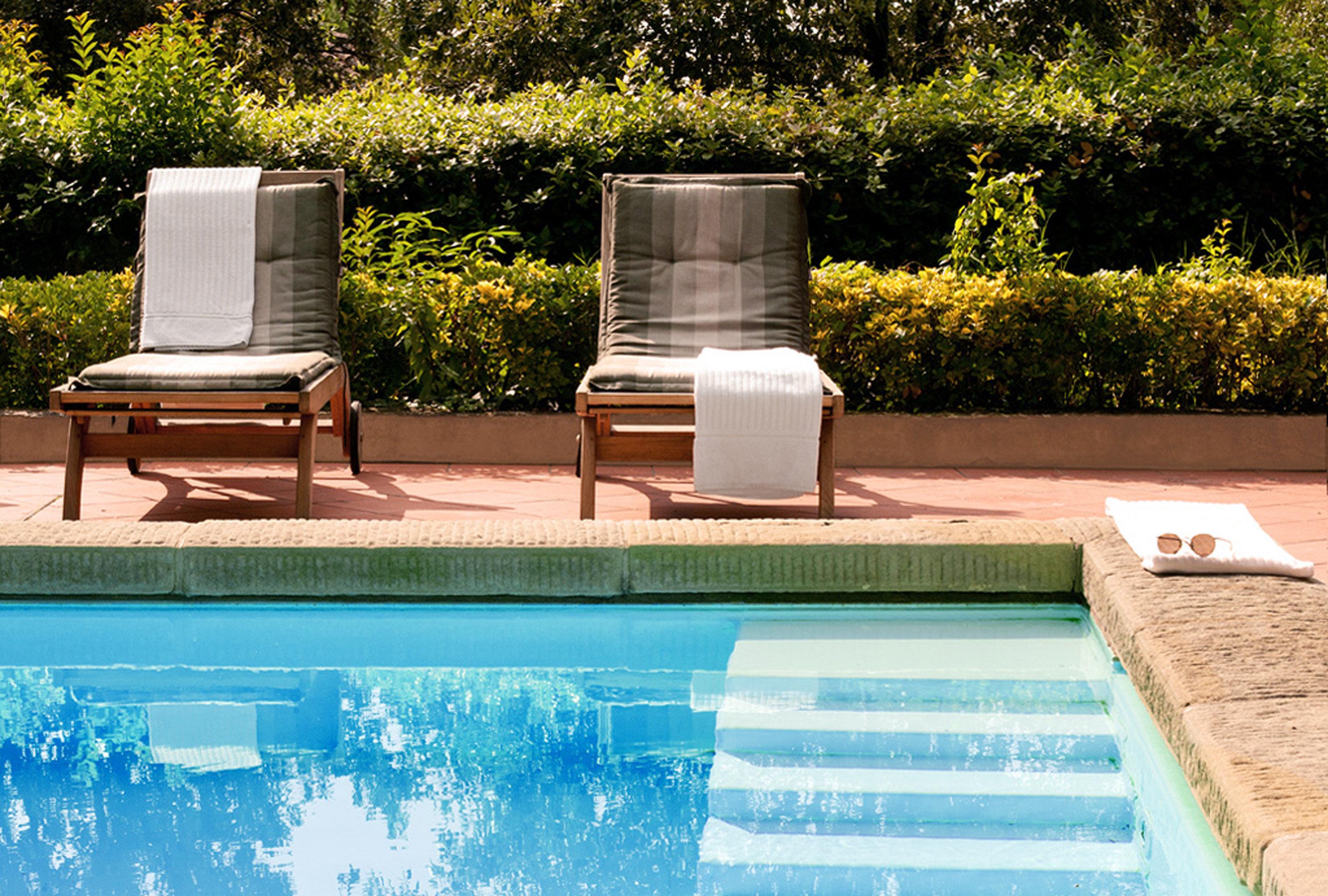 Boutique City Elegant Honeymoon Pool Romance Romantic Villa tree swimming pool leisure backyard reflecting pool outdoor structure