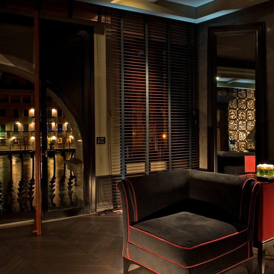 Boutique City Hip Honeymoon Lounge Modern Romance Romantic Lobby lighting living room home