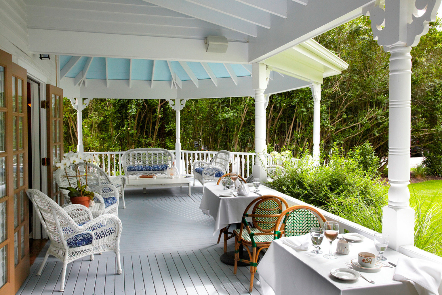 Boutique Classic Country Deck Exterior Grounds Luxury porch property outdoor structure home Villa backyard cottage condominium Patio