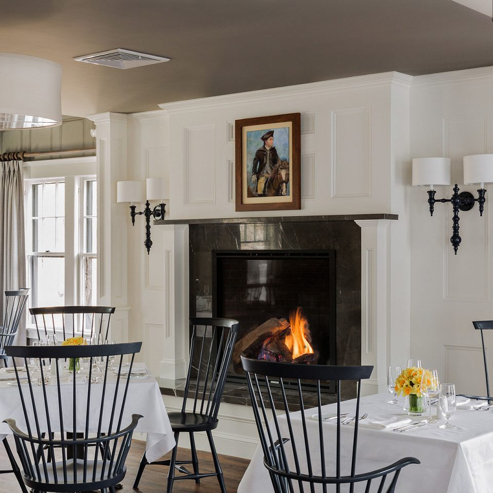 Boutique Classic Dining Drink Eat Fireplace Hotels Inn chair property Kitchen home cottage living room lighting farmhouse hearth metal Villa cabinetry
