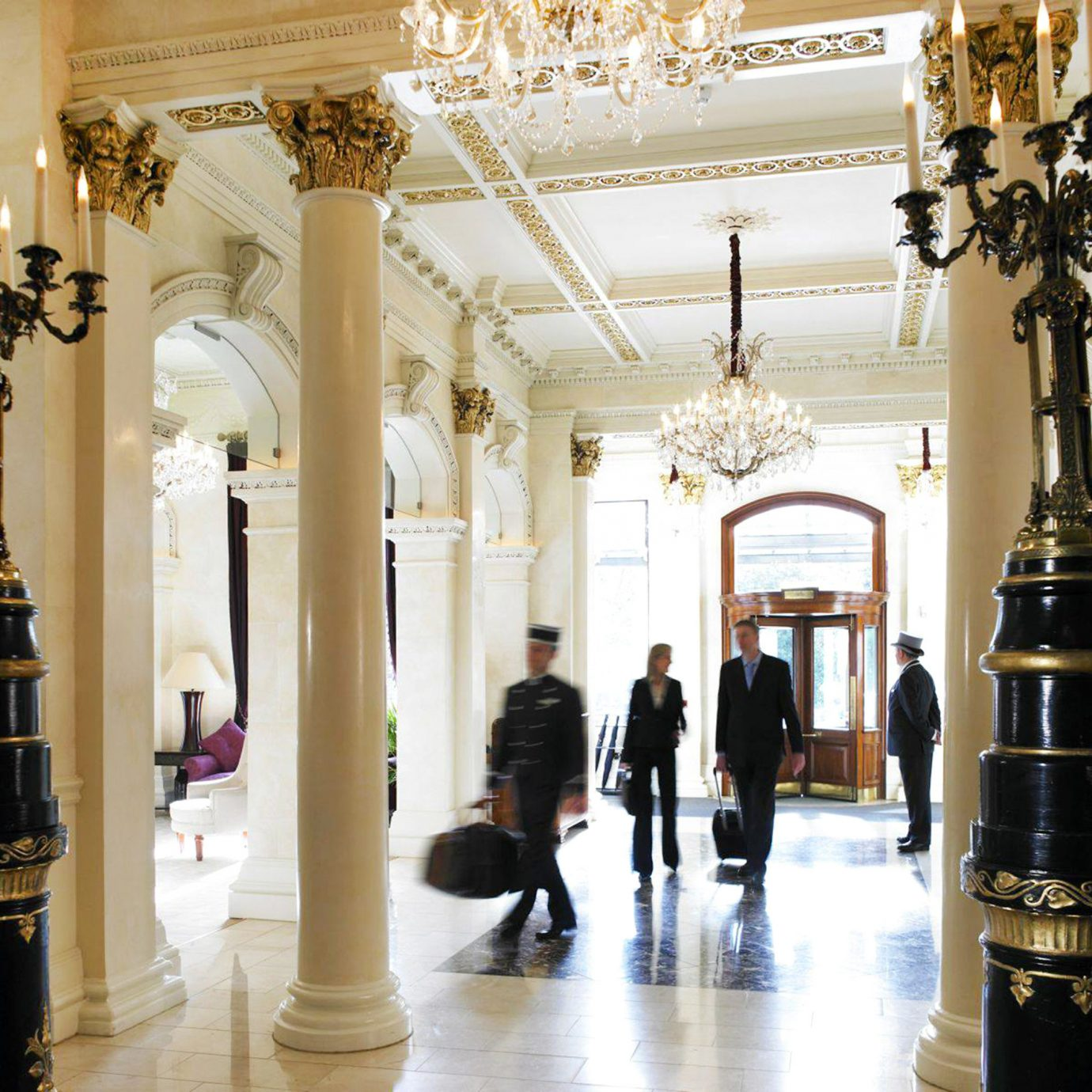 Classic Elegant Lobby Luxury building aisle Boutique palace tourist attraction column hall museum retail arcade altar