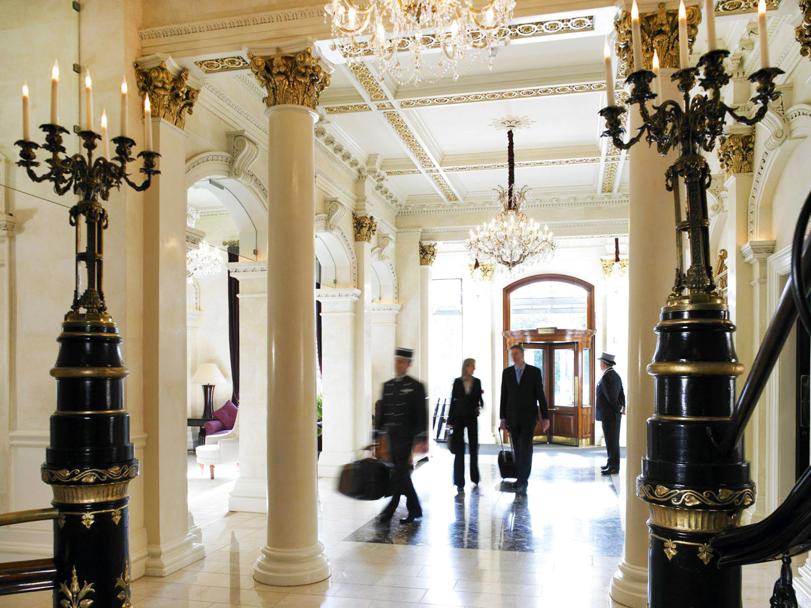 Classic Elegant Lobby Luxury building aisle Boutique palace tourist attraction column hall museum retail arcade altar