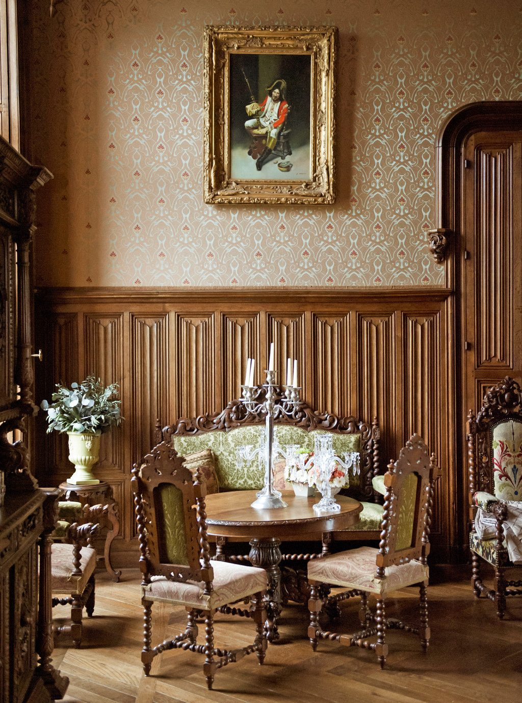 Boutique Country Dining Drink Eat Elegant Luxury Romance Romantic home living room restaurant