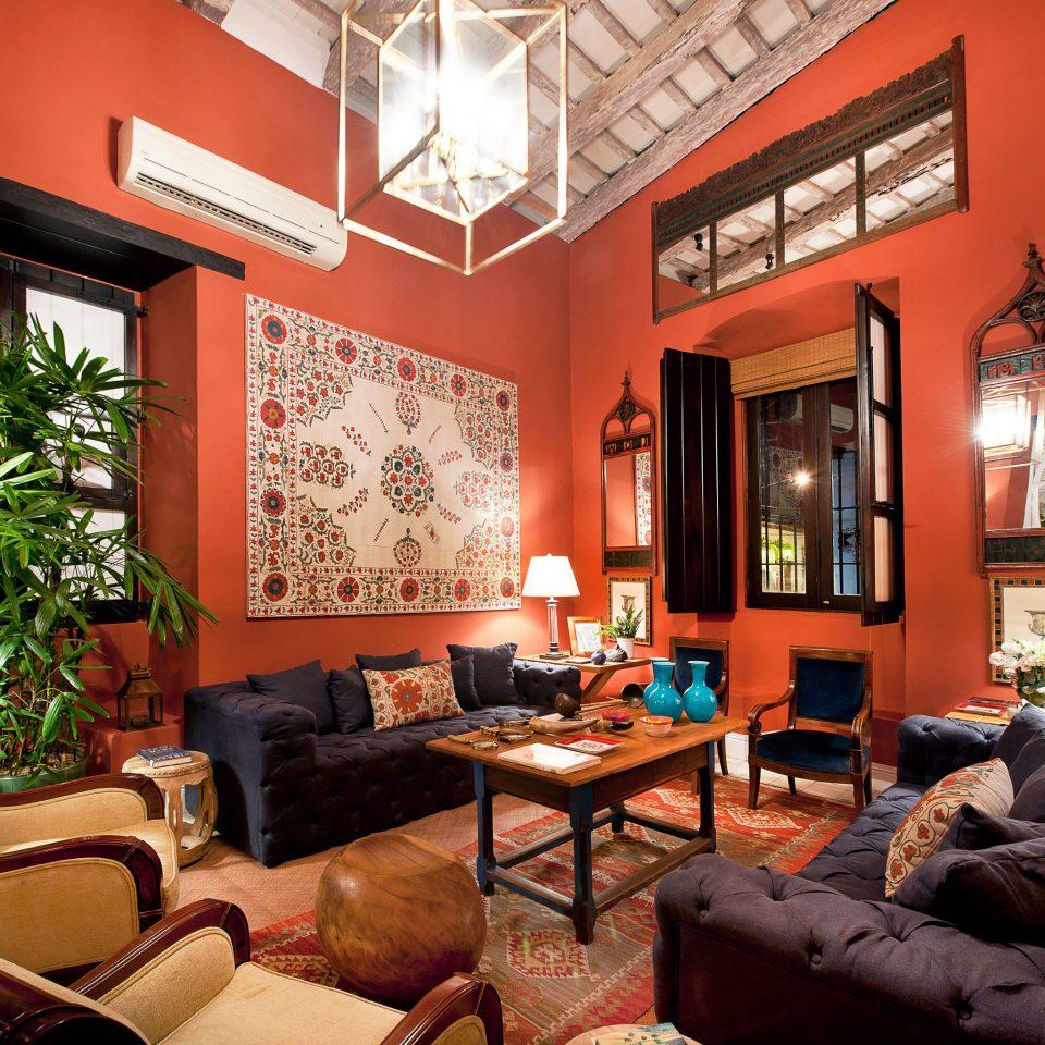 Boutique Cultural Historic Lounge sofa chair living room property home Villa condominium Suite cottage Lobby leather