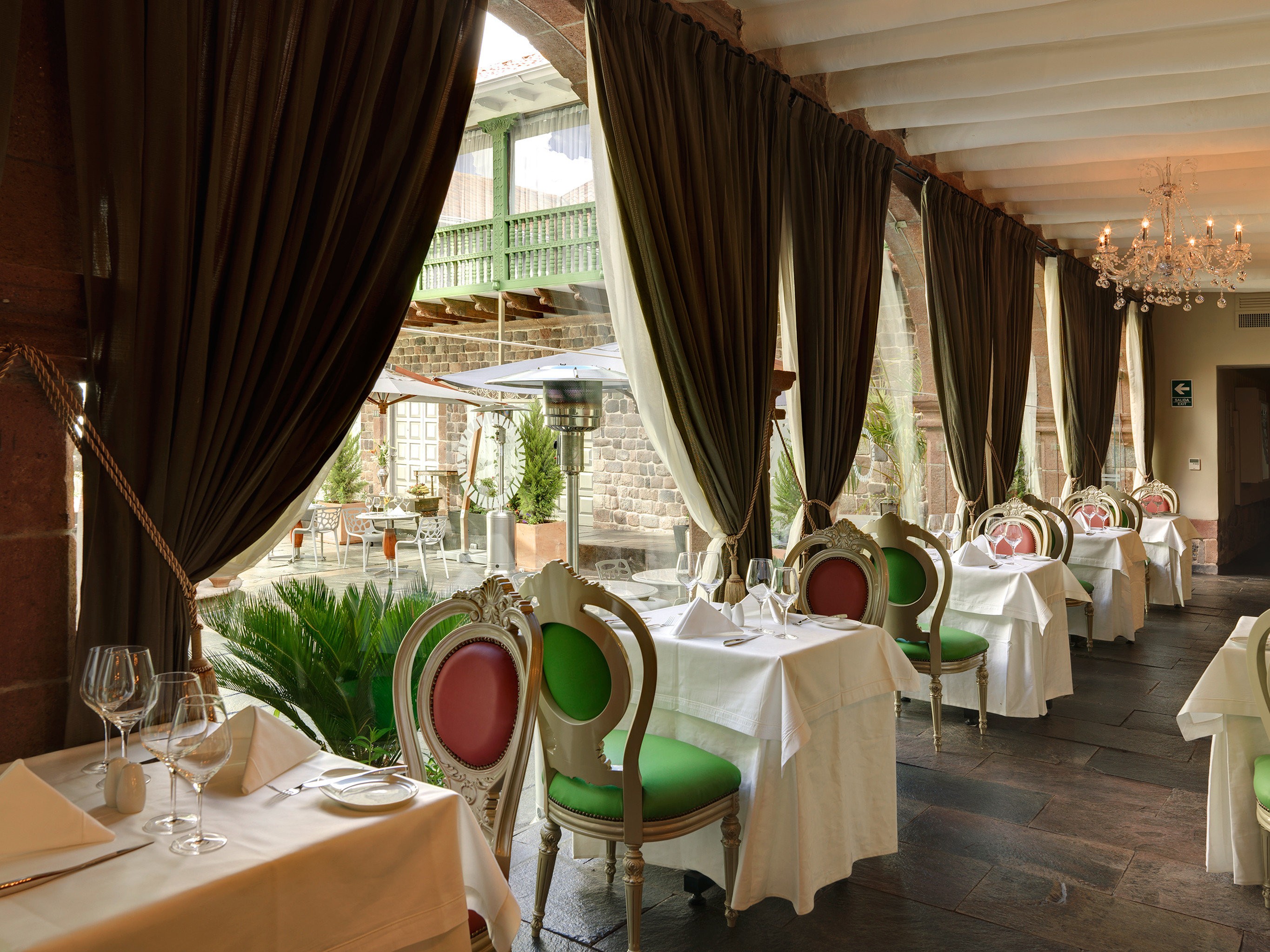 Boutique Dining Drink Eat curtain restaurant function hall wedding ceremony Resort Suite tub