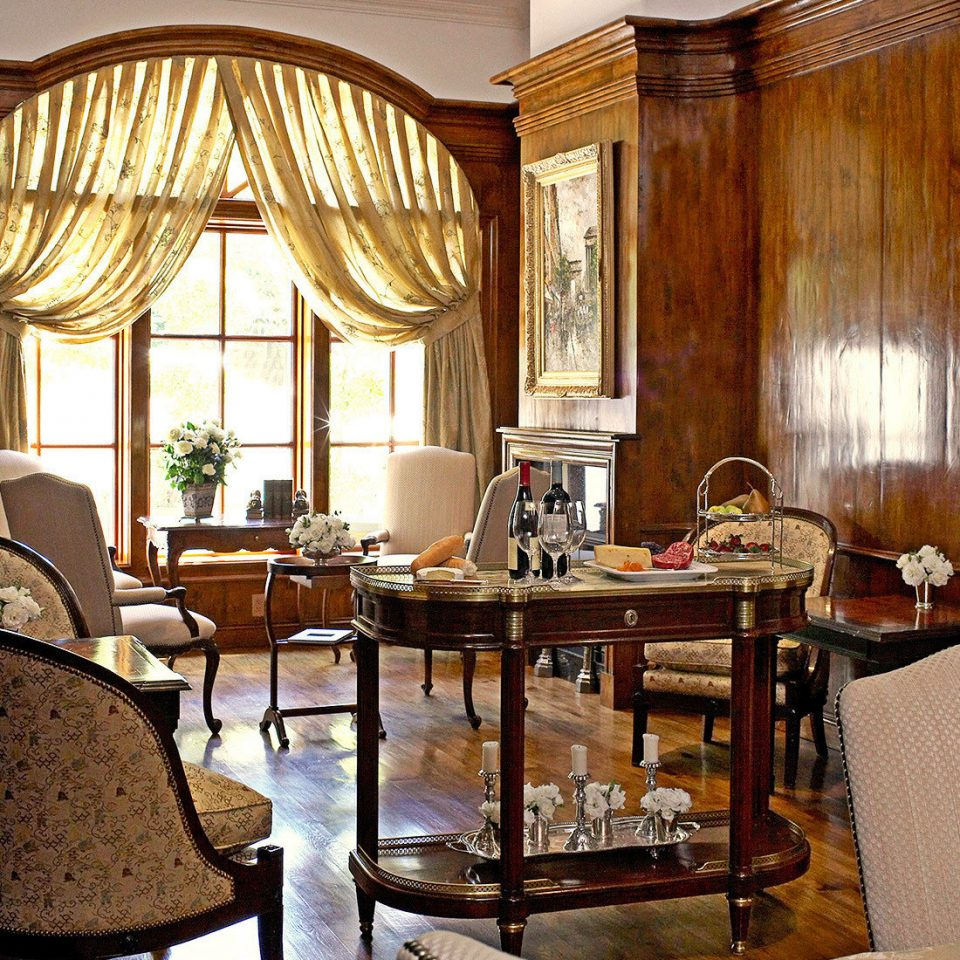 Boutique Dining Eat Elegant Historic Romance Romantic property home living room restaurant Lobby Suite