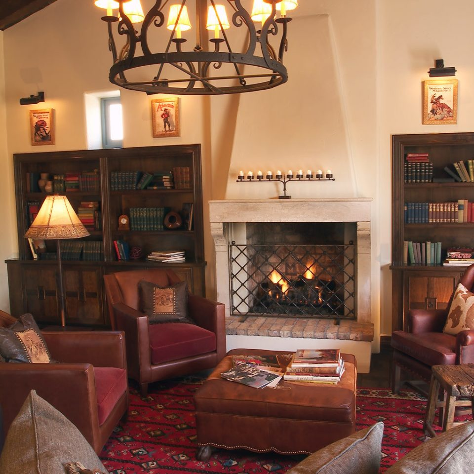 Boutique Inn Lobby Romance living room property home house Fireplace cottage