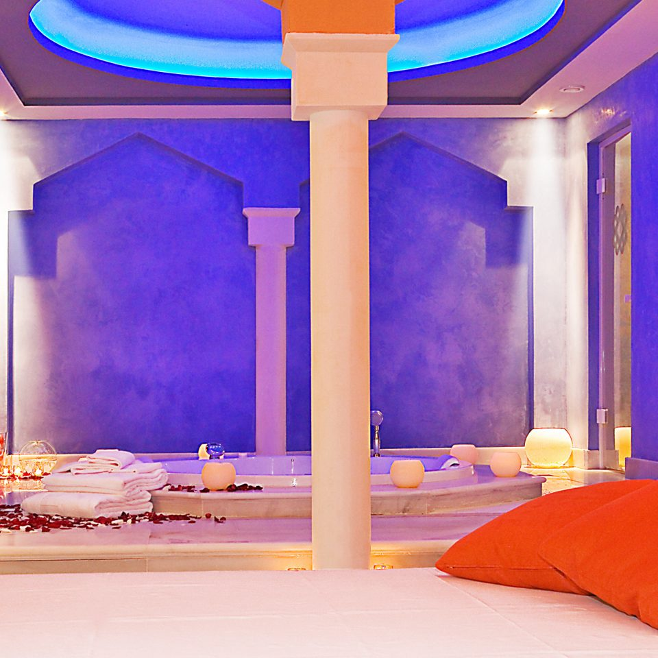 Boutique Hip Modern Spa Wellness function hall swimming pool