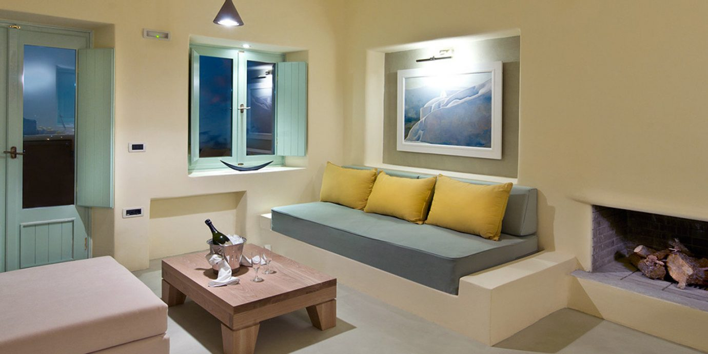 Boutique Honeymoon Romance Romantic Suite living room property home condominium Villa cottage