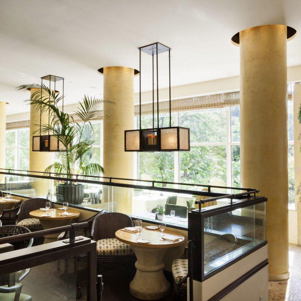 Boutique Hotels Classic Dining Drink Eat Elegant Hotels Lounge Philadelphia property home Kitchen living room lighting condominium cabinetry Villa