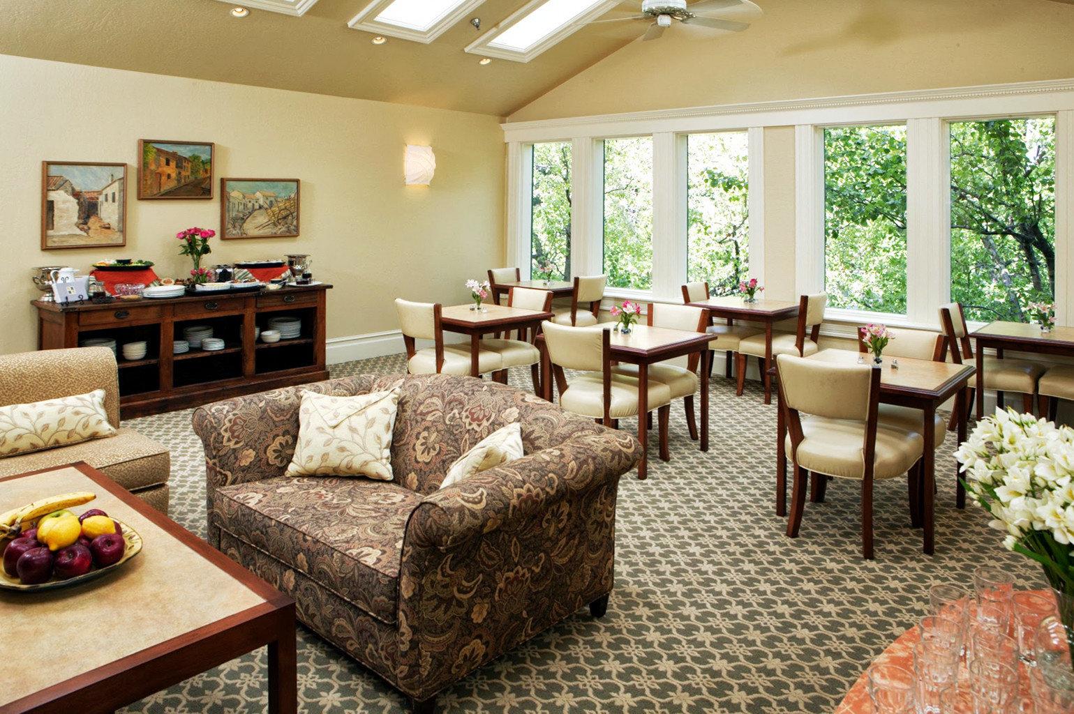 Boutique Inn Lounge sofa property Resort living room Suite Villa cottage condominium restaurant