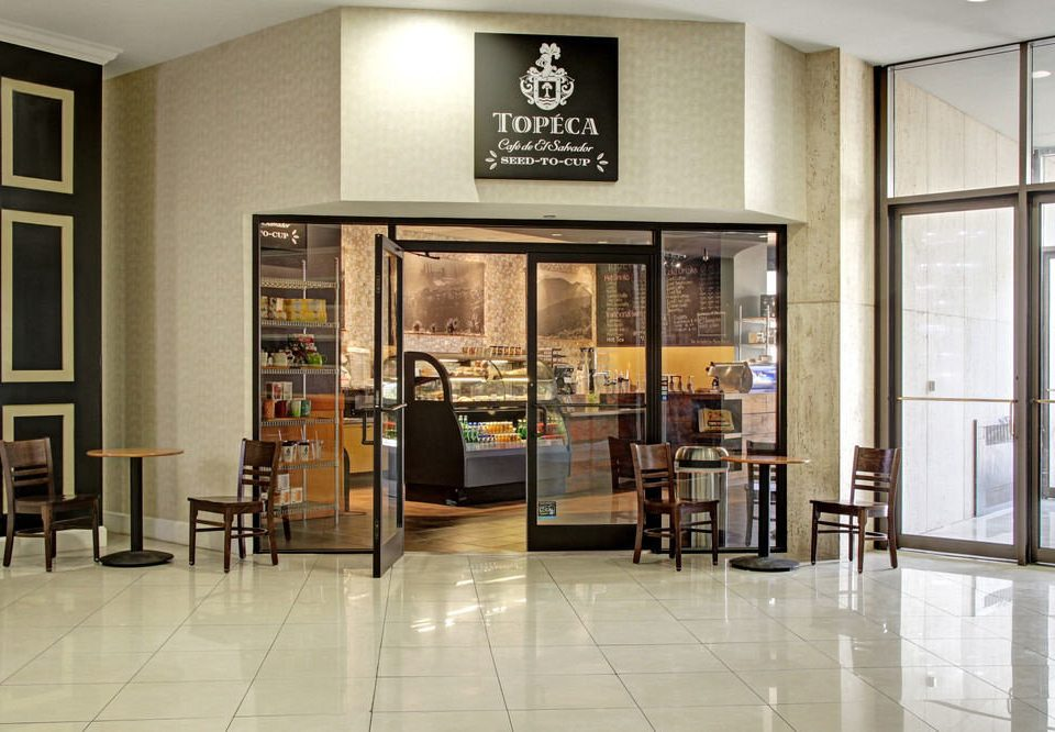 building Boutique Lobby flooring tourist attraction retail tiled