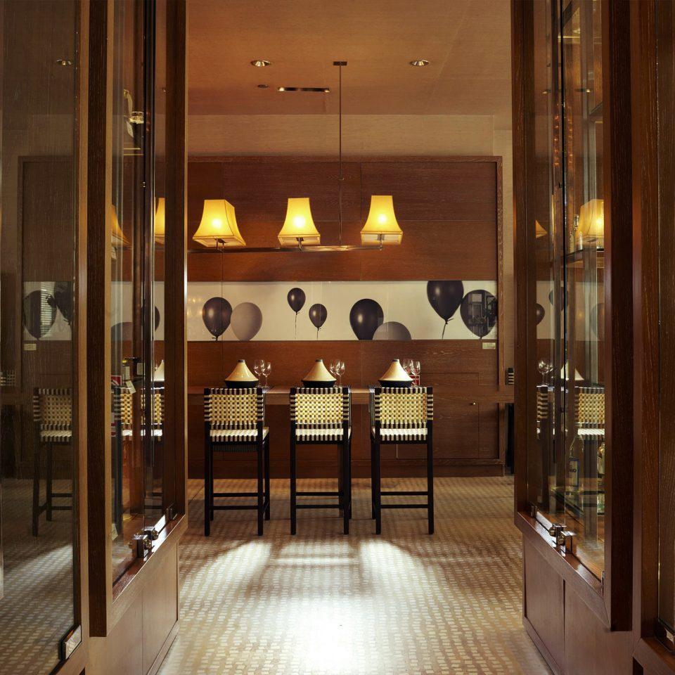 Lobby lighting restaurant Boutique cabinet door