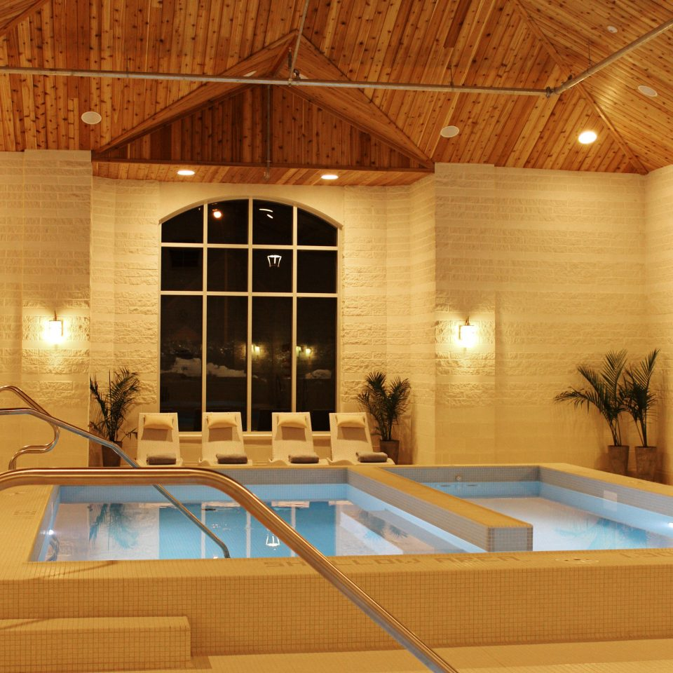 Boutique Modern Pool swimming pool leisure centre daylighting Lobby convention center flooring