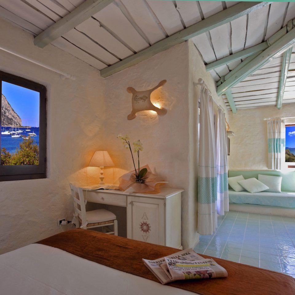 Boutique Suite property living room house home condominium Villa mansion cottage
