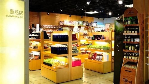brand shelf retail