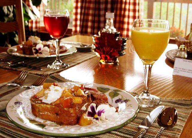 food plate wine restaurant dinner breakfast brunch supper christmas dinner sense thanksgiving dinner lunch cuisine buffet