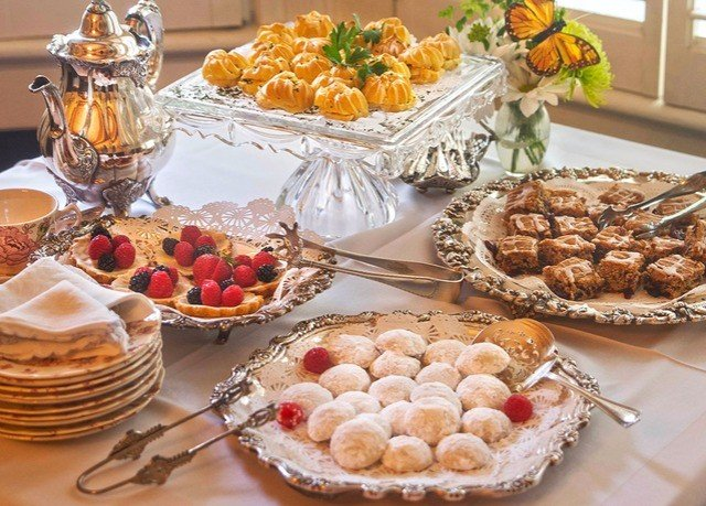 food plate breakfast buffet brunch dessert christmas dinner thanksgiving dinner pâtisserie meat fresh