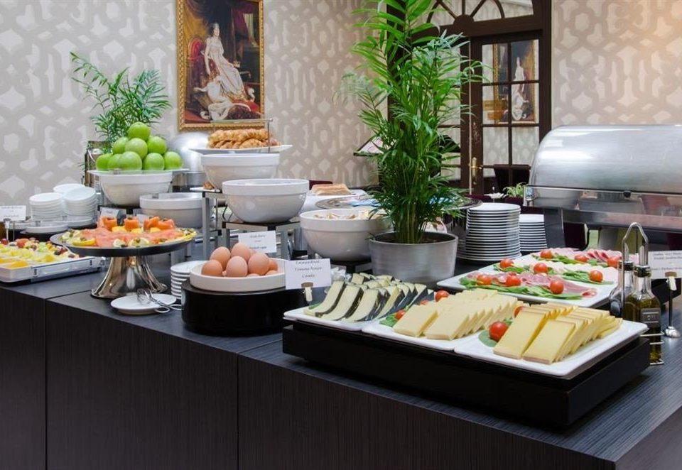 food plate buffet brunch breakfast lunch restaurant counter