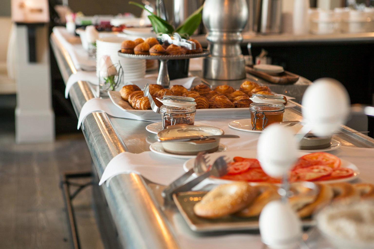 plate breakfast brunch buffet food supper counter restaurant lunch dinner preparing