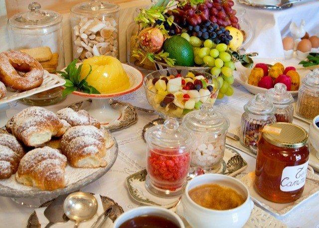 food plate breakfast brunch dessert cuisine buffet pâtisserie