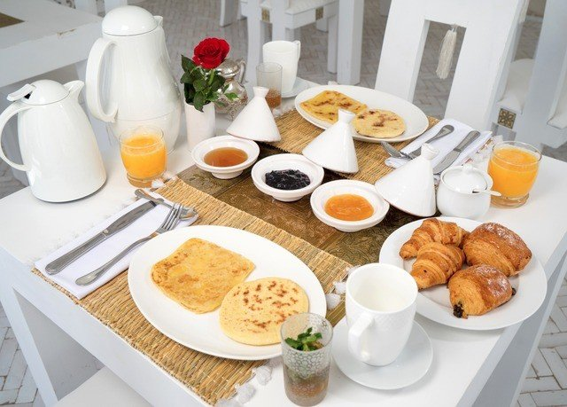 plate food coffee breakfast lunch brunch cuisine dining table