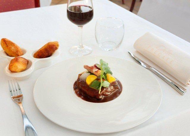 plate food wine breakfast brunch lunch restaurant dessert cuisine sense meat dinner piece de resistance