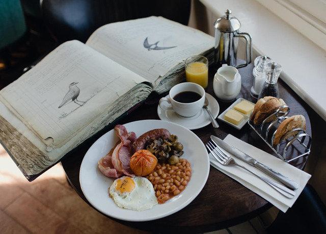 plate food breakfast lunch brunch restaurant sense cuisine dinner dining table