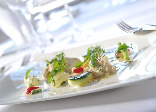 food plate lunch restaurant salad fish cuisine hors d oeuvre breakfast sense brunch piece de resistance