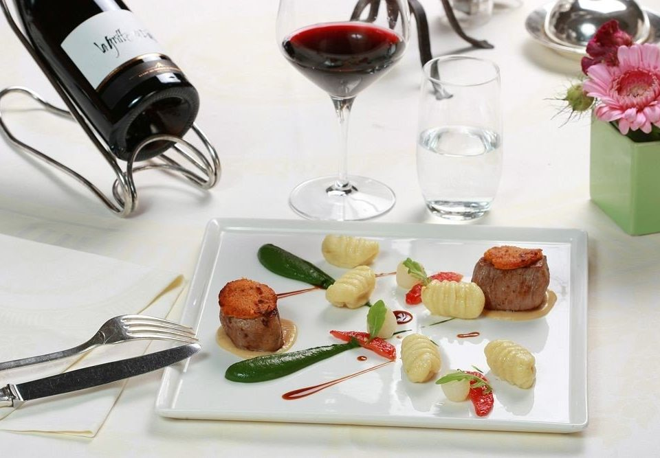 wine plate food lunch brunch hors d oeuvre sense cuisine breakfast