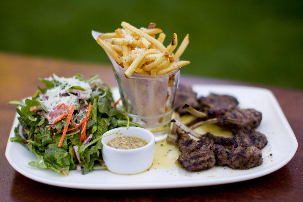 food plate meat lunch restaurant cuisine steak sense breakfast brunch vegetable piece de resistance