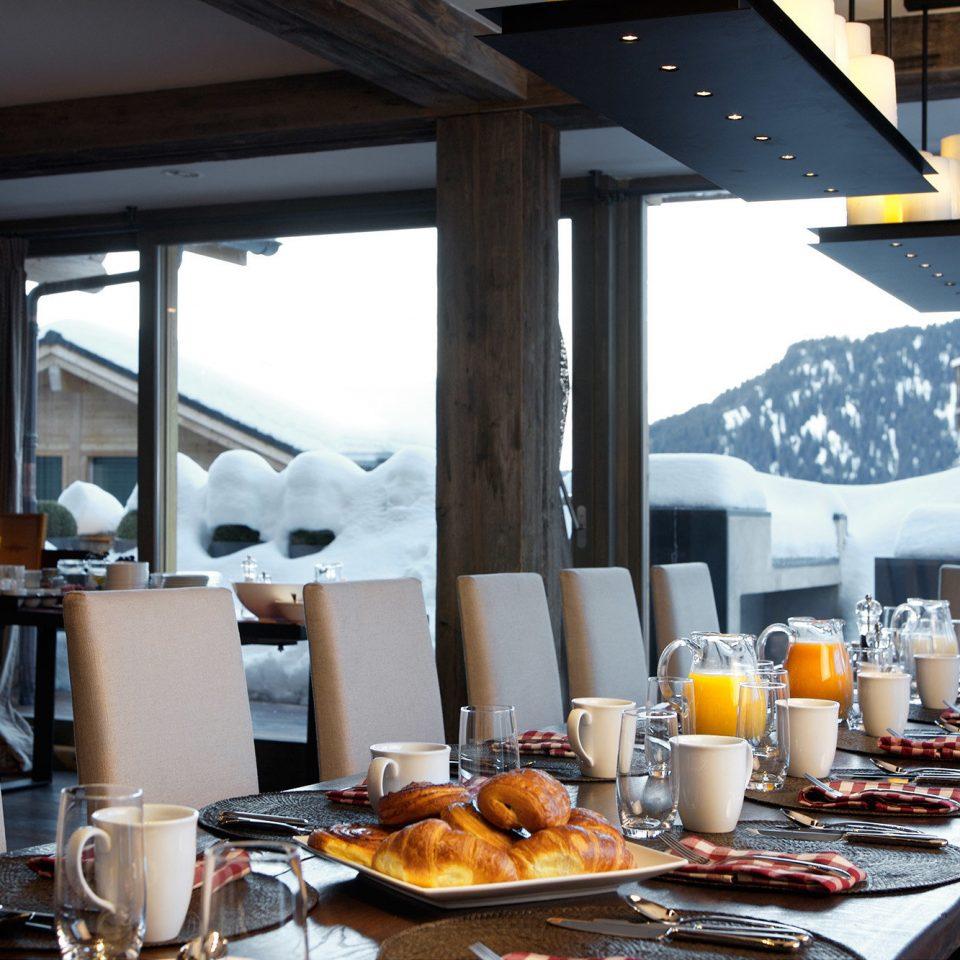 food plate restaurant brunch breakfast dining table
